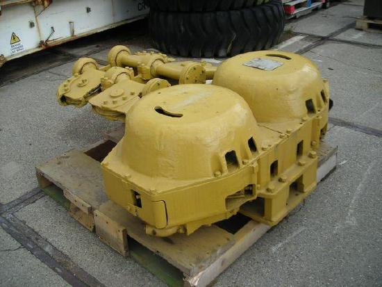 Caterpillar D8H scraper winch