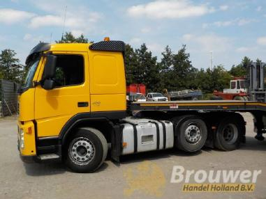 Heavy load truck tractor - Volvo FM12 400 with new MAC Lowloader