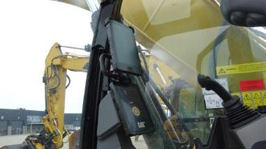 Tracked excavator - Caterpillar 323 K EPA