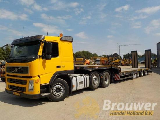 Volvo FM12 400 with new MAC Lowloader