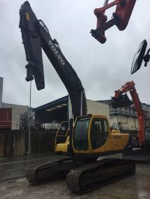 Tracked excavator - Volvo EC240