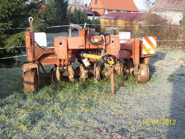 Macchina per lavorazione terreno - Kuhn Rotorplug