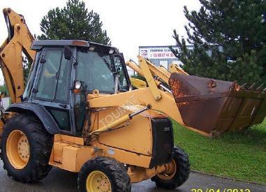 Încărcător cu echipament de excavator - Case 580K