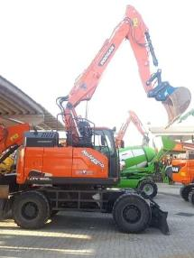 轮式挖掘机 - Doosan DX165W-5