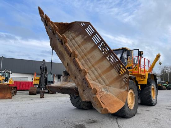 Volvo L350F side tip bucket / rock bucket 7500liter