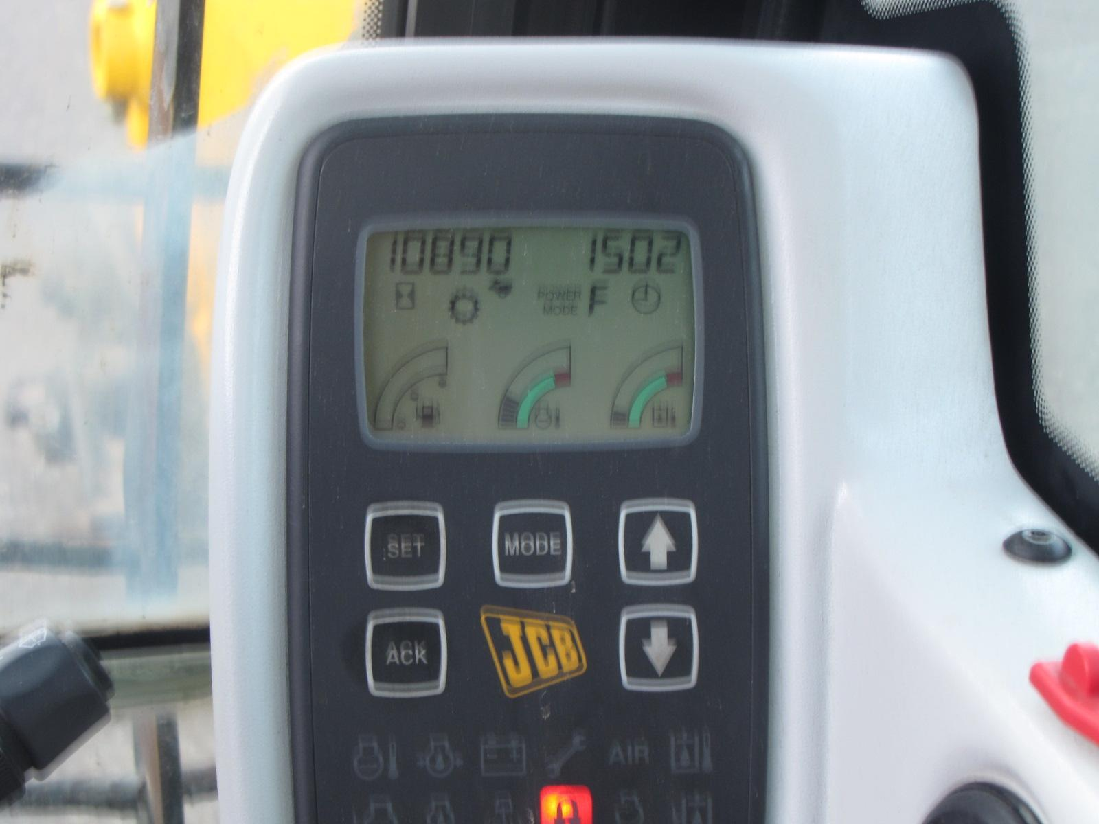 Экскаватор самоходный - JCB JS 200 W