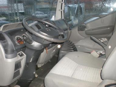 Hakowiec - Nissan Cabstar