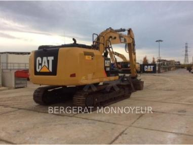 Tracked excavator - Caterpillar 320E