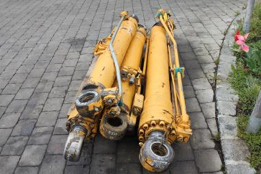 Hydraulikzylinder - Liebherr R  924 HDSL