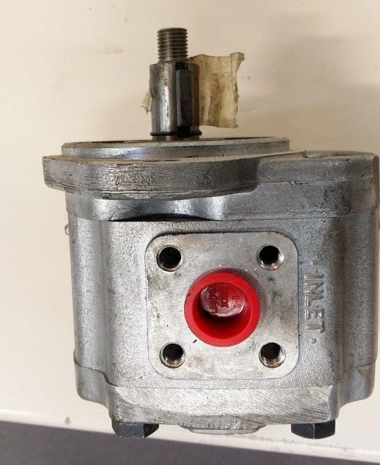 1P3036 A brand new pump Dowty