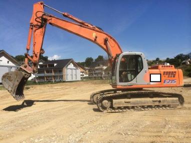 Tracked excavator - Kobelco E215B