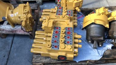 Steuerblock / Ventil - Caterpillar 325 BL