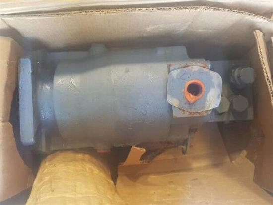 JOHN DEERE AE29476 Hydrostat motor