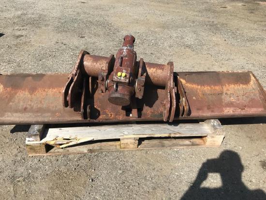 Case Poclain 688 , Schild mit Zylinder