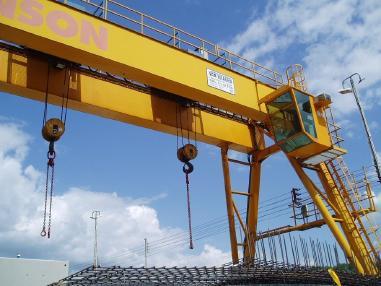 Portaalinosturi - Demag Portalkran 2x32 ton