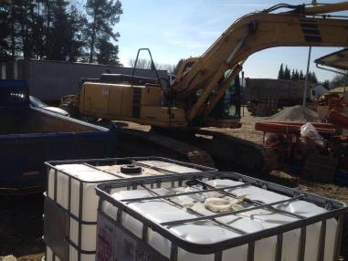 Tracked excavator - Komatsu PC210 LC-6