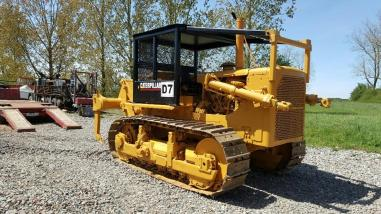 Bulldozer sobre ruedas - Caterpillar D7F
