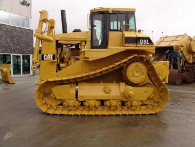 Bulldozer - Caterpillar D8L