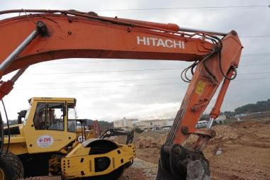 Zincirli ekskavatör - Hitachi ZX210