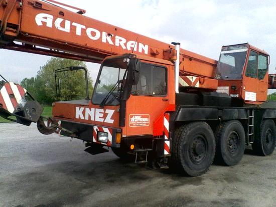 Liebherr LTM1040