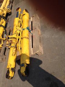 Tracked excavator - Komatsu PC 240LC-7 PC 240-8