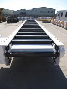 Maquinaria de construcción de túneles - Becorit Chain Conveyor & MMD Roll Crusher.