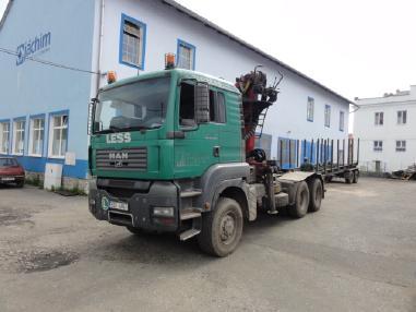 Vozidlo na přepravu dřeva - MAN TGA 33.440