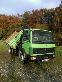 Trojstranný sklápěč - Mercedes Benz 814