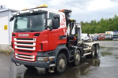 sanduk prikolica s dizalicom - Scania R 440 8X4
