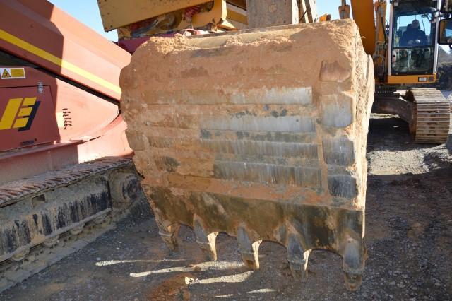 Tracked excavator - Liebherr R944CHDSL