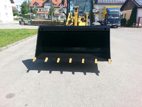 2M Verkaufe Schaufeln für Radlader Teleskoplader Hoflader Traktoren Frontlader
