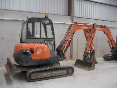 Excavator cu lanţ - Hitachi ZX30