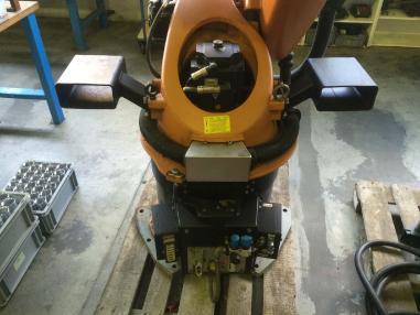 Blechbearbeitungsmaschine - Kuka KR 30-3
