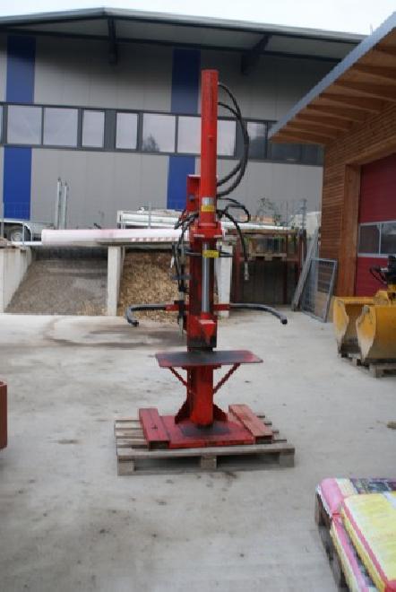 unb. Holzspaltmaschine