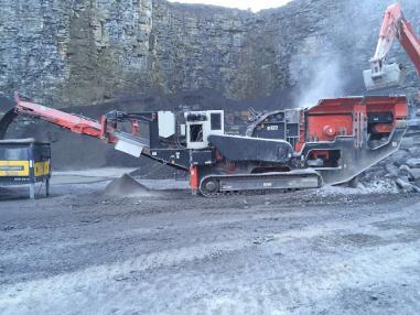 mobile Brecheranlage - Sandvik QI440 Impactor