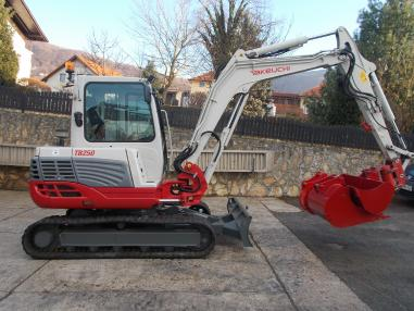 Miniescavatore - Takeuchi tb250,powertilt,2009,3822Bst