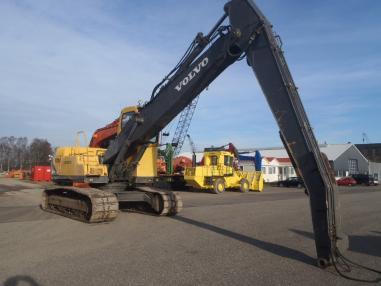 Tracked excavator - Volvo EC360