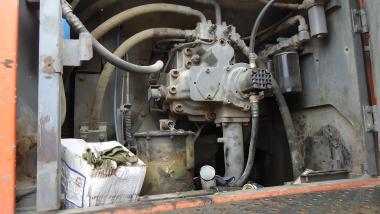 Tracked excavator - Hitachi ZX460LCH