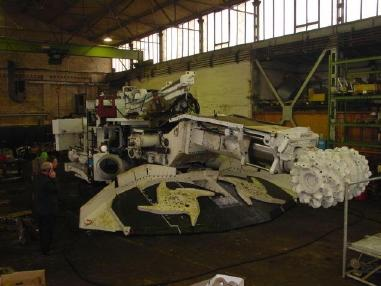 Maquinaria de construcción de túneles - Otro Voest Alpine Roadheader Sandvik AM 105 G