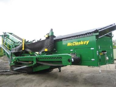 mobile screening plant - Mc Closkey S190 - 3 deck