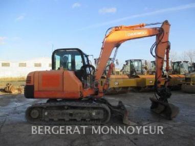 Tracked excavator - Doosan S75