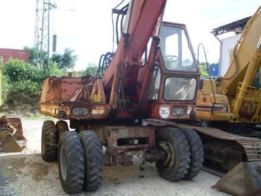 Escavatore gommato - O&K MH 6