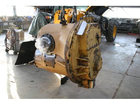 Caterpillar D8R transmission 105-8185 1058185