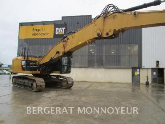 Tracked excavator - Caterpillar 329E