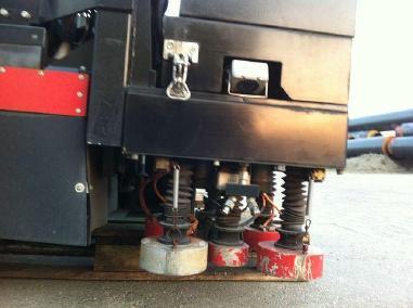 Martinetto per pozzetti - Altro Telescopic manhole cover lifter to suit front vacuum truck
