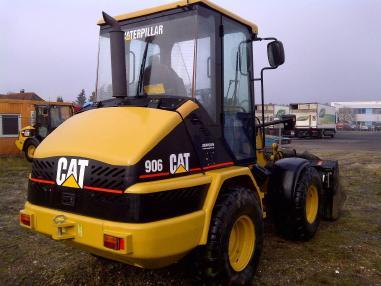 utovarivač na kotačima - Caterpillar 906