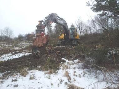 Tracked excavator - Volvo EC 240 BLC