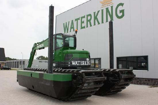 Waterking amphibien bagger WK 90NG-A, NEW model 2015 with Takeuchi or Yanmar upper, adjustable undercarriage. Rental possible