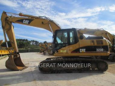 Rupsgraafmachine - Caterpillar 323D