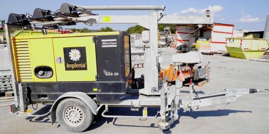 Flutlichtanlage QAS 20 PDS LT [R520005948] Stromaggregat/ Flutlichtaggregat Atlas Copco QAS 20 auf Fahrgestell, sofort einsatzbereit, 6 x Halogen 1500W, 20 kVA